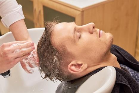 Männer Haaröl waschen